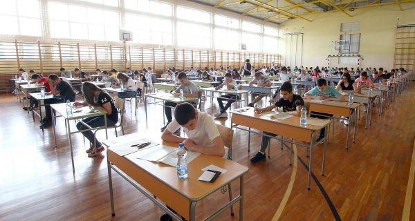 Министарство тврди да је тест из математике протекао без нерегуларности