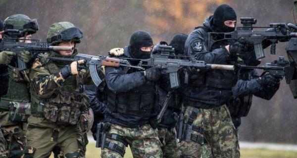 Војска и полиција у пуној борбеној готовости