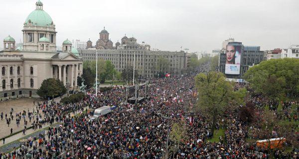 Ivošević poručio na protestu: Vučić svu vlast podredio svojoj volji