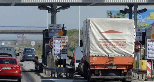 Свако треће возило у Србију електронски плаћа путарину