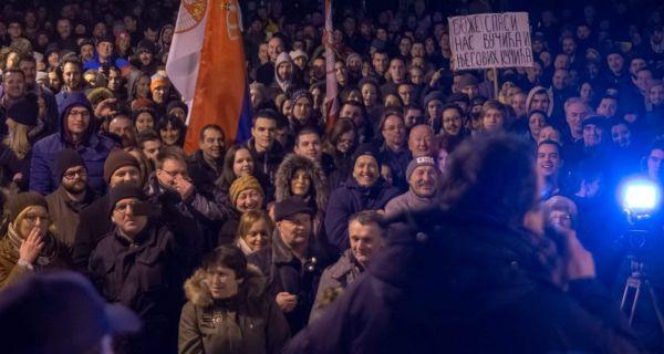 Више од пет хиљада људи на протесту у Крагујевцу
