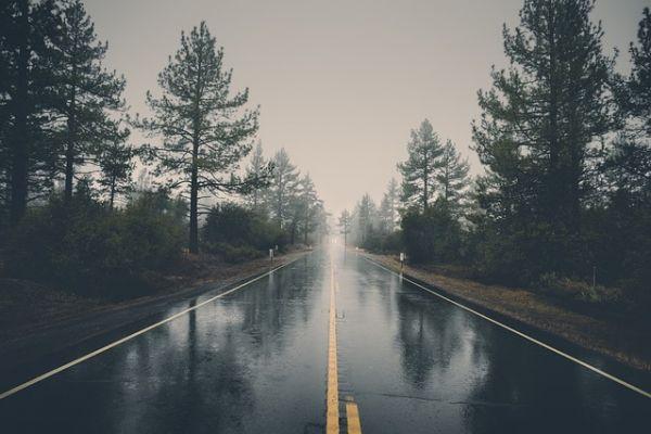 АМСС: Повремене падавине отежавају саобраћај