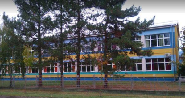 Ministarstvo: Direktorka škole u Šapcu smenjena u skladu sa zakonom, protest roditelja neosnovan