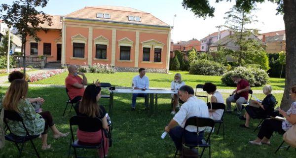 Sastanak sa direktorima  osnovnih i srednjih škola