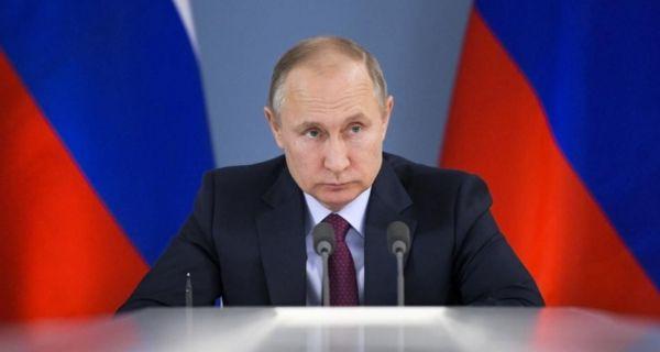 Путин обећао значајну помоћ Србији у борби против корона вируса