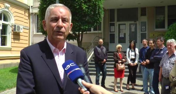 """Група грађана """"Поштено - Милош Милошевић"""" предала потписе подршке грађана"""