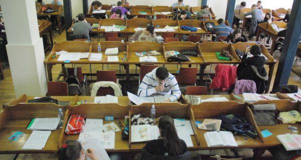 Студенти траже додатни испитни и рок за полагање пријемног испита због корона вируса