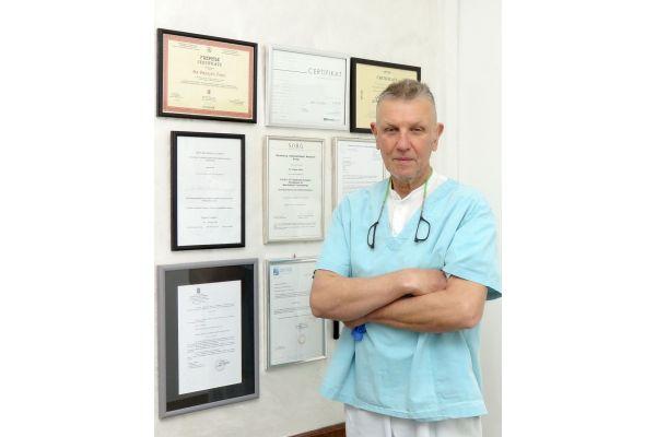 Dr Dragan Šobić osnivač maksilofacijalne hirurgije u Šapcu: Umetnost hirurgije