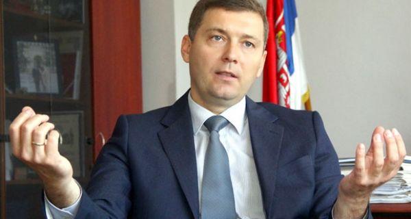 Зеленовић: Буџетски новац послушницима СНС