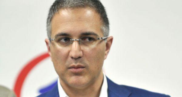 Stefanović: Broj policajaca u Skupštini dovoljan da spreči da se bilo šta loše dogodi