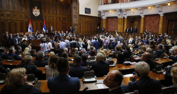 Скупштина Србије усвојила извештај Канцеларије за КиМ