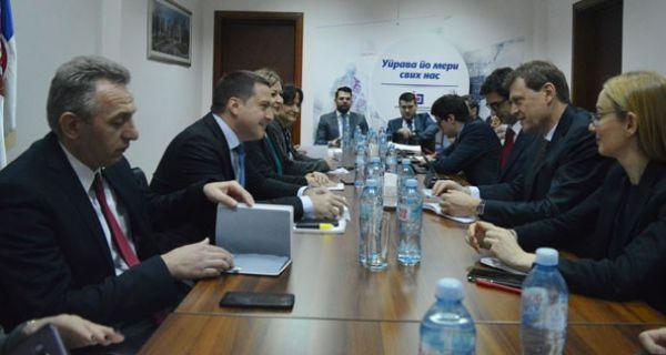 Ружић са мисијом ММФ-а о реформи система плата