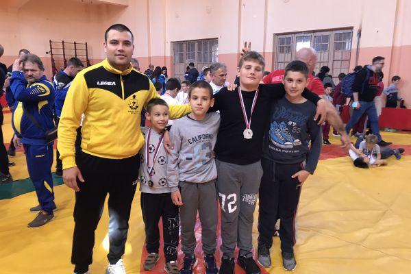 Uspesi mladih rvača