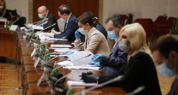 Влада Србије усвојила меру забране кретања од петка до понедељка