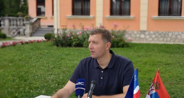Vučić: Izmišljena epidemija u Šapcu Zelenović: Tužiću predsednika SNS
