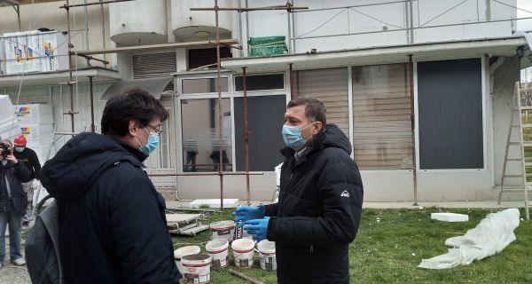 Zelenović razgledao radove na izolaciji zgrade