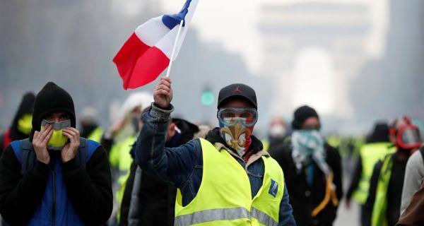 На улицама Француске три пута више полиције него демонстраната